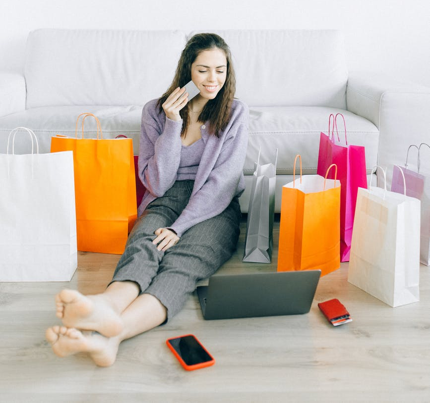 Lady Online Shopping—Create an Online Store with Author Branding
